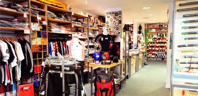 Zahlreiche Produkte zum Thema Martial Arts bei Asia Sports in Hamburg.