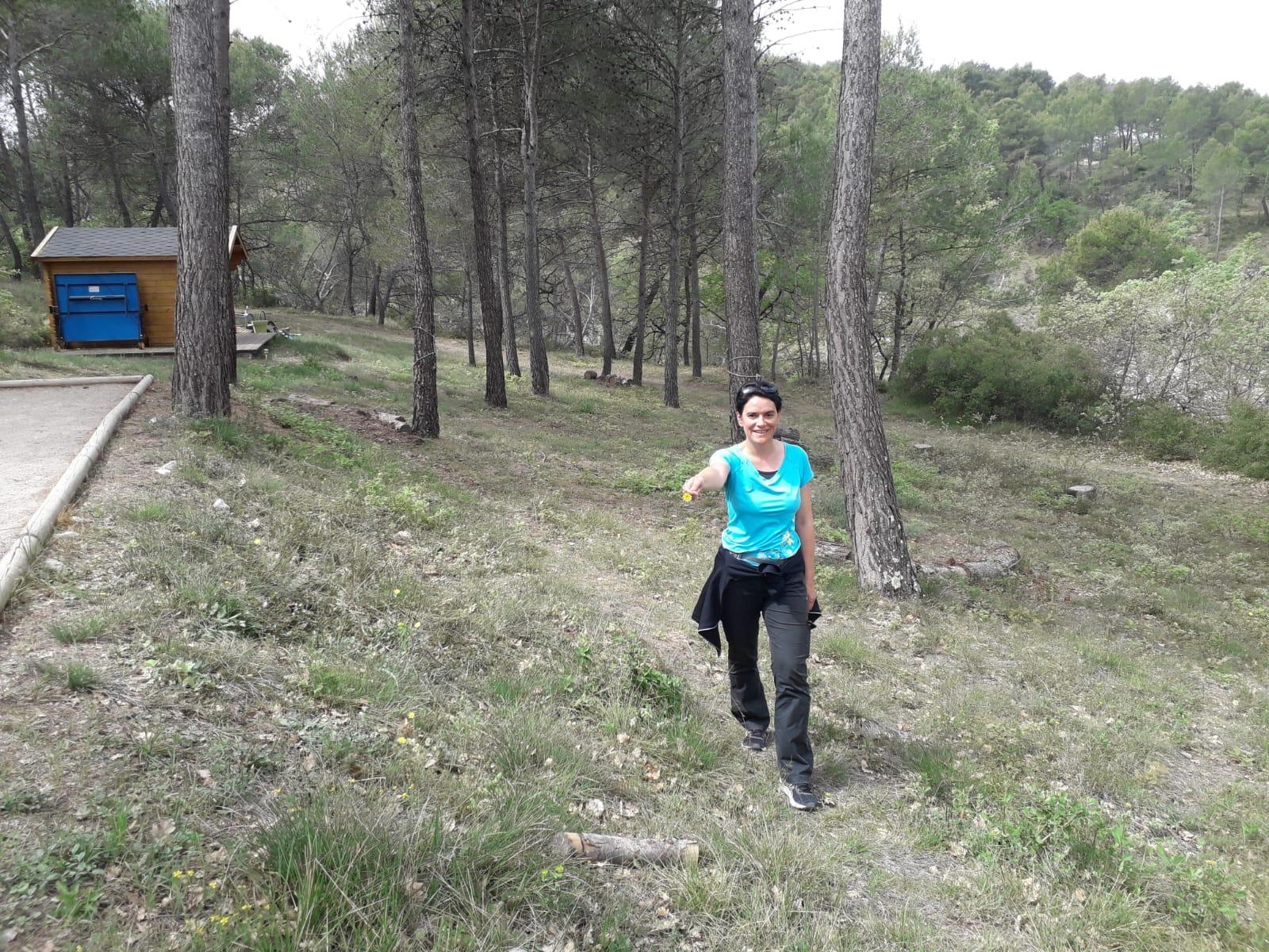 27-Sabine en plein trek botanique