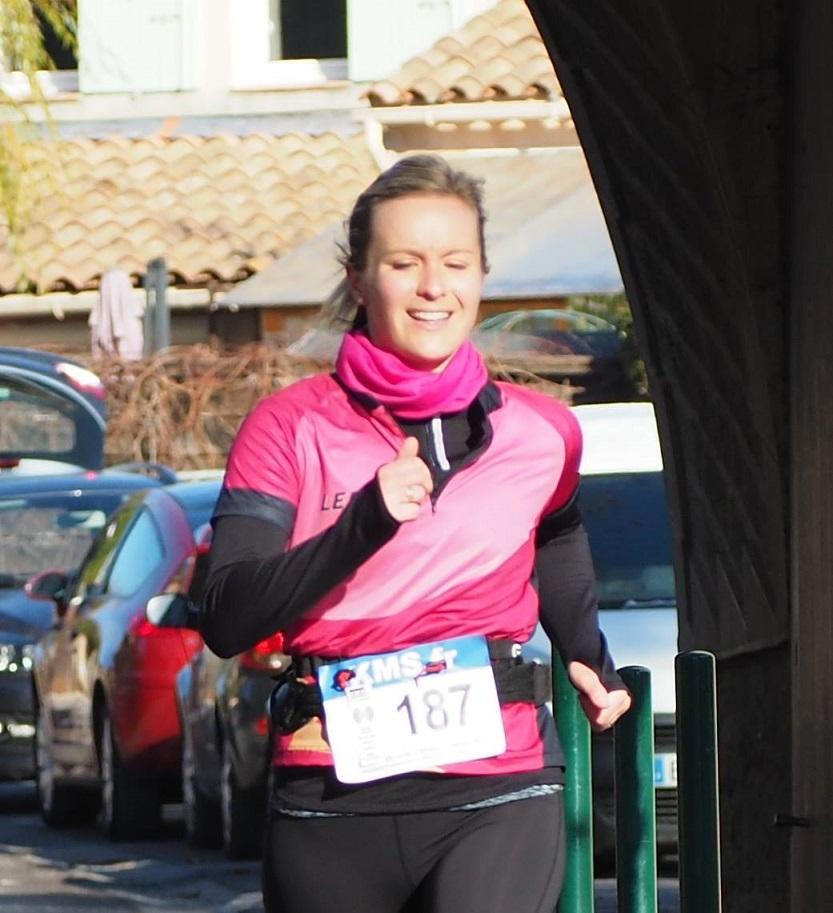 34-Sandrine 200m avant l'arrivée