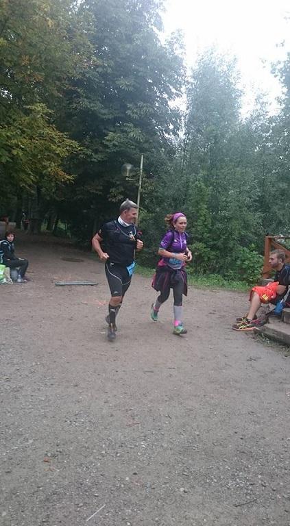 26-Et voilà désormais Eric et Christelle à 100m de l'arrivée..