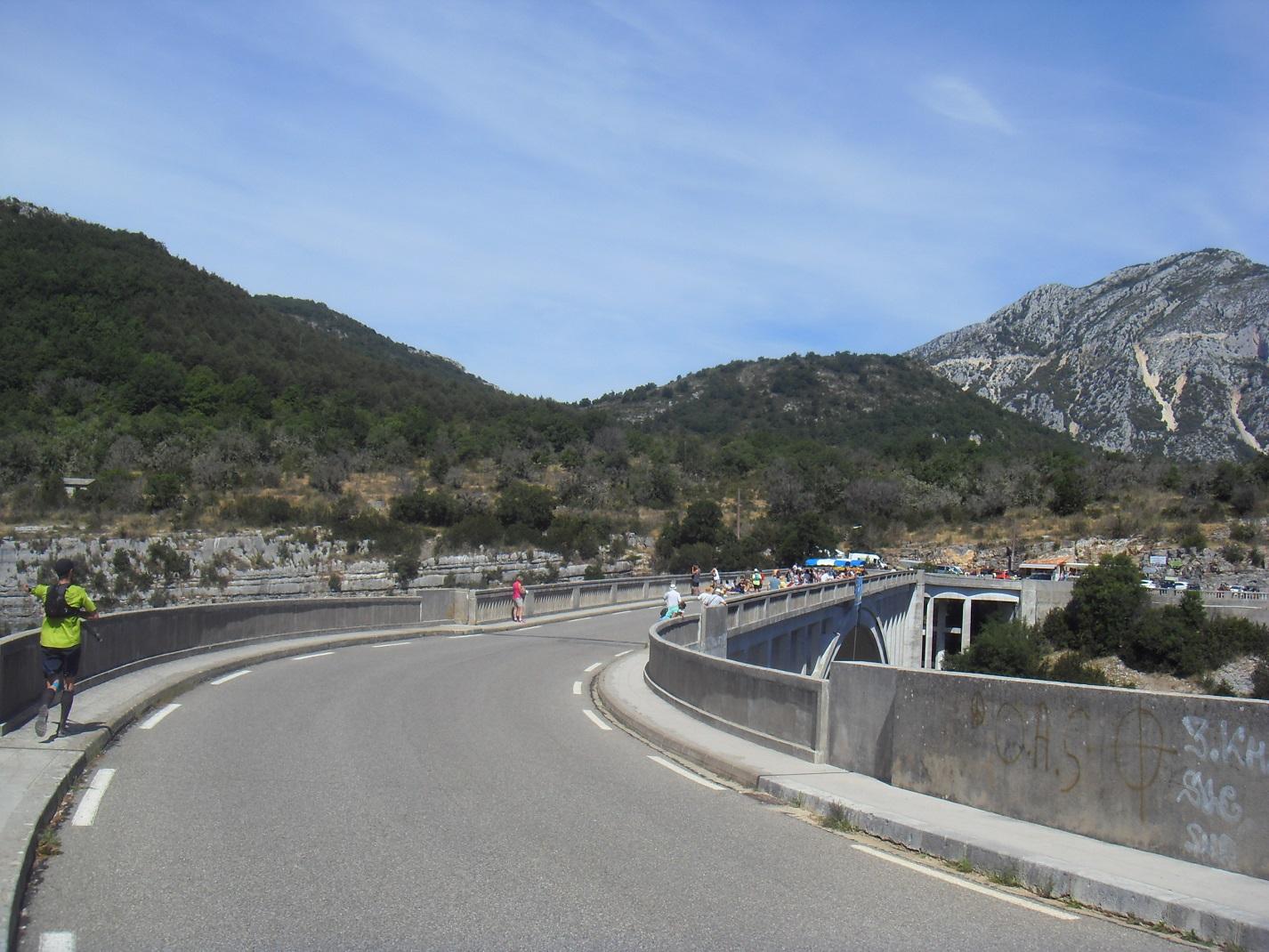 43-Voici enfin le fameux pont de l'Artuby..