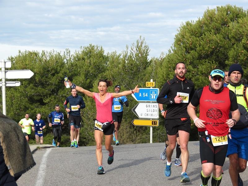 22-Stéphanie en pleine forme au 21ème km