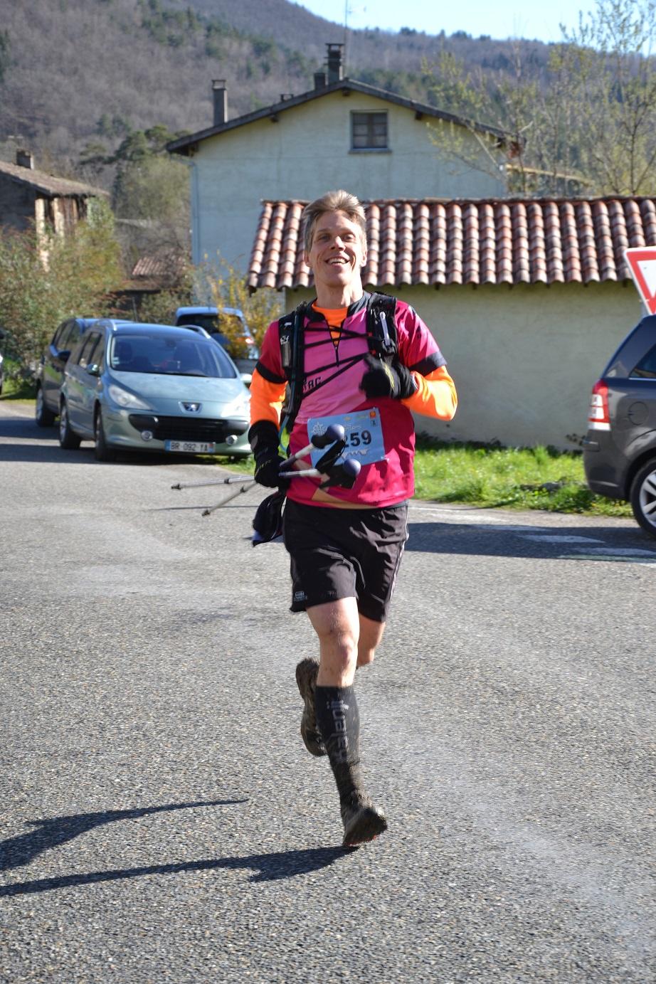 29-Steph' arrive au 2ème ravito, au 31ème km