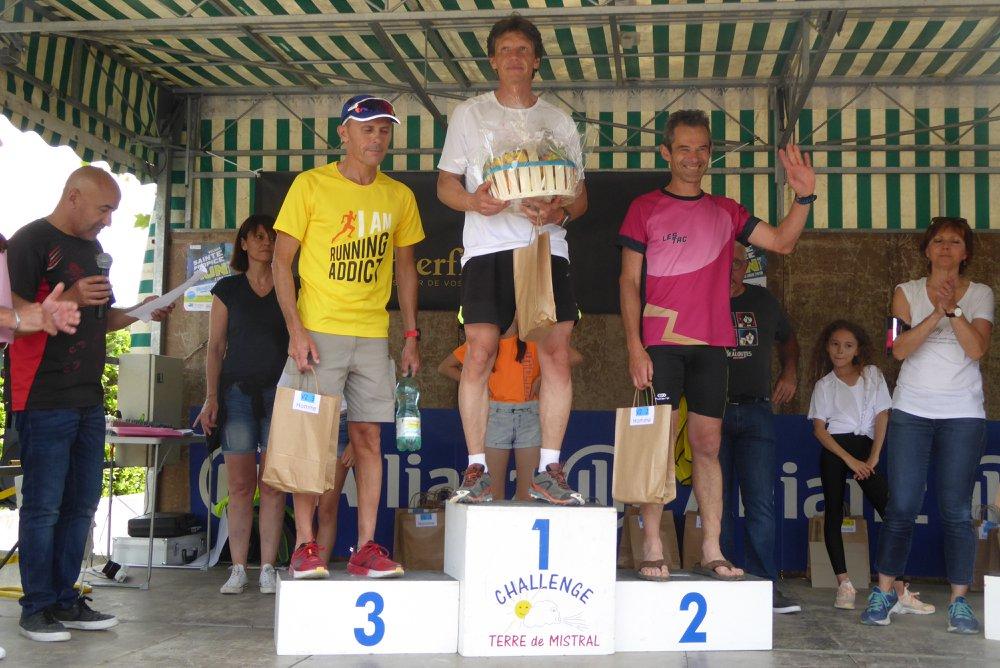 27-Et le voilà sur le podium aussi (2ème M2M)