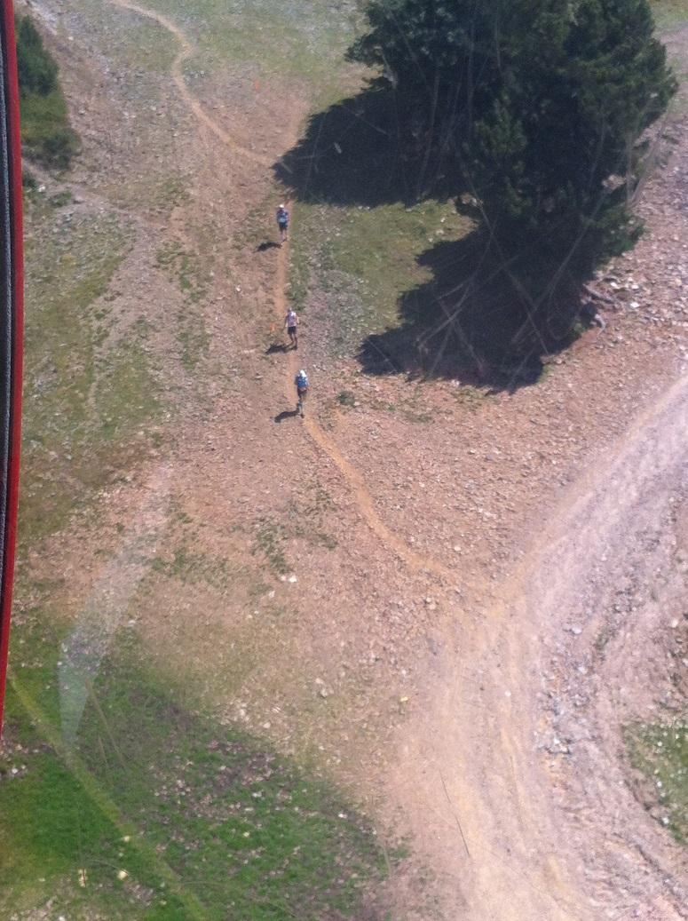 34-Mieux qu'un drone, la télécabine pour photographier les coureurs..