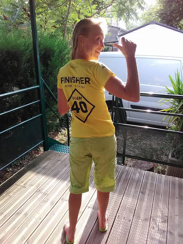 36-Les filles, elles, ont fini leur 1er défi, voici donc un 1er t-shirt de finisheuse.. (18août fin d'après-m')