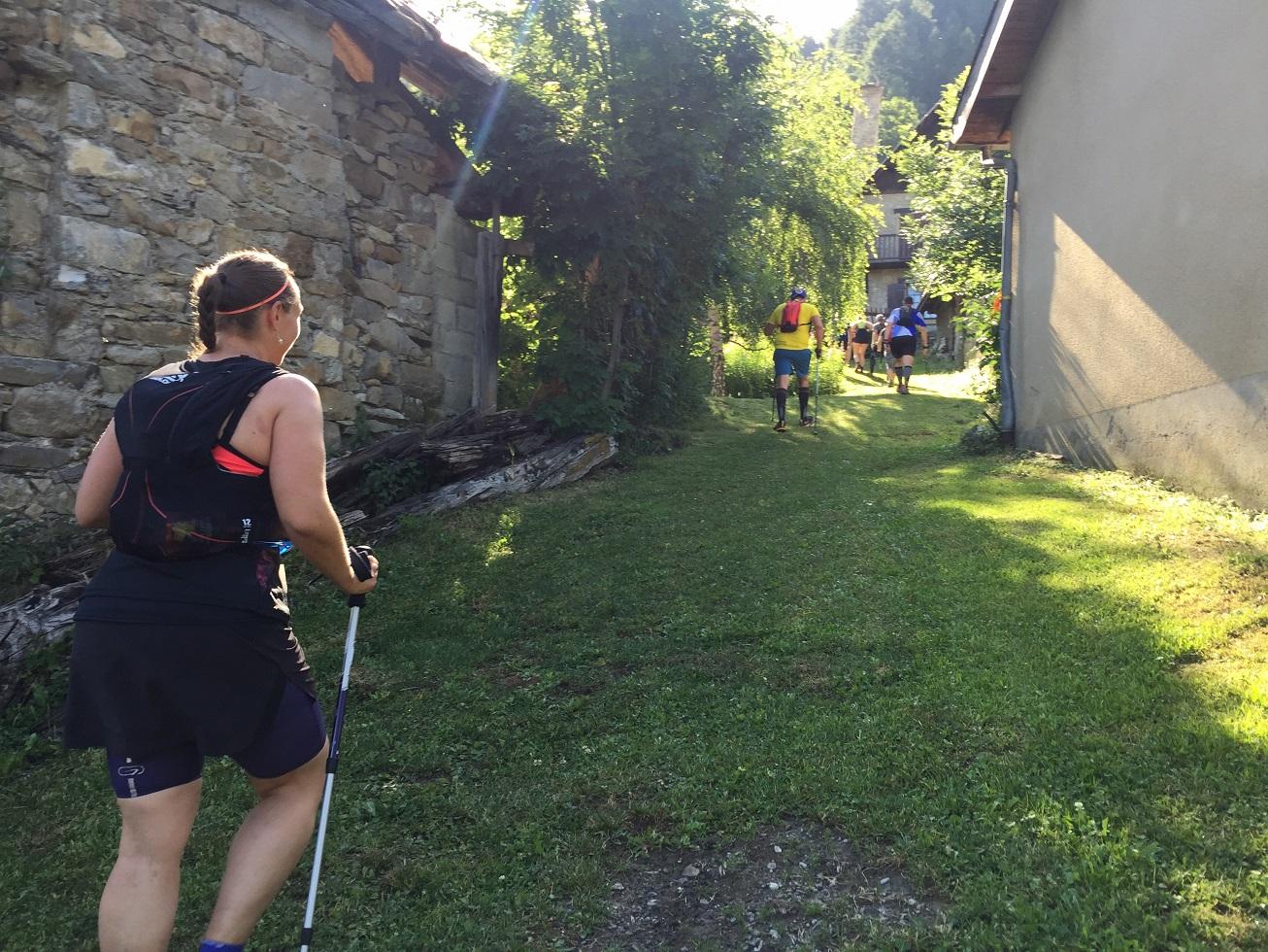 10-On traverse de jolis petits hameaux