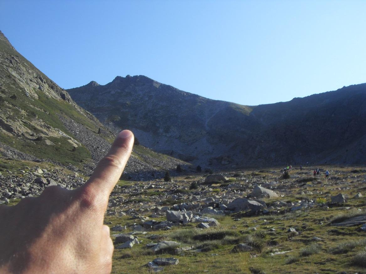 18-Il est là le Pic du Canigou