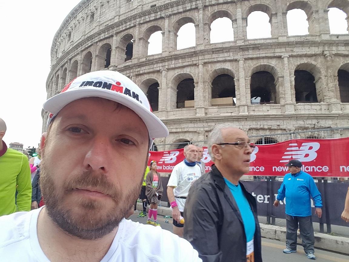 4-Devant le Colisée, direction la ligne de départ