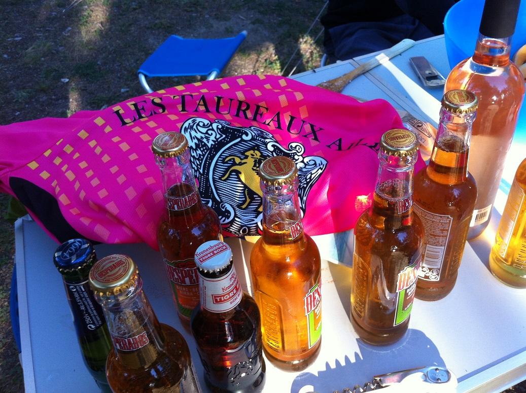 59-TAC rîme avec pack (de bière)..