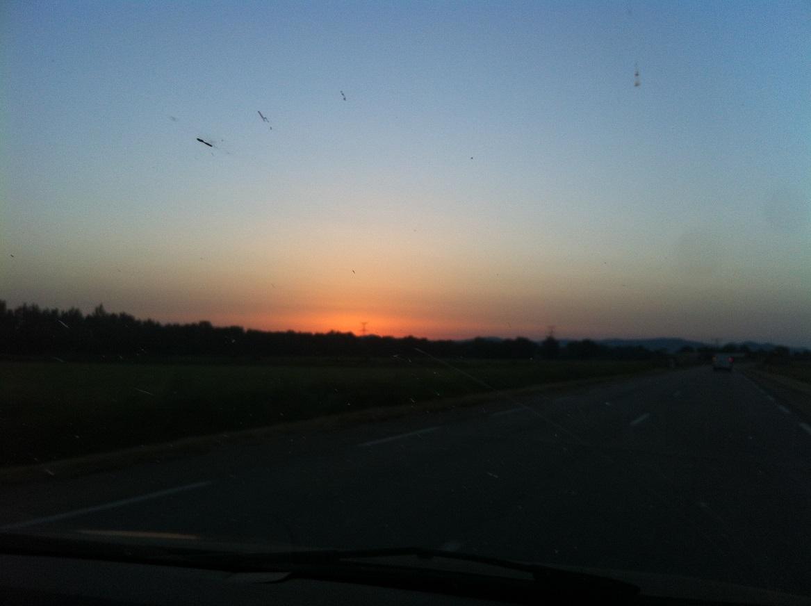 1-Il est 6h, le soleil commence à se lever..