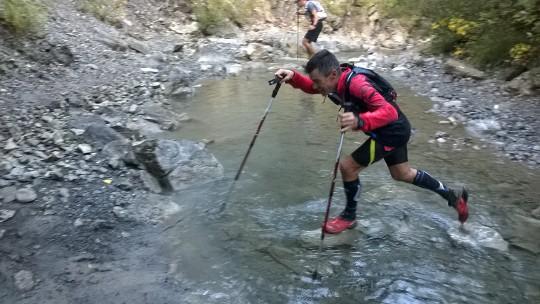 17-Et pendant qu'Erwan traverse une rivière..
