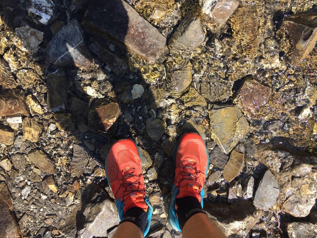 22-Les pieds dans l'eau..
