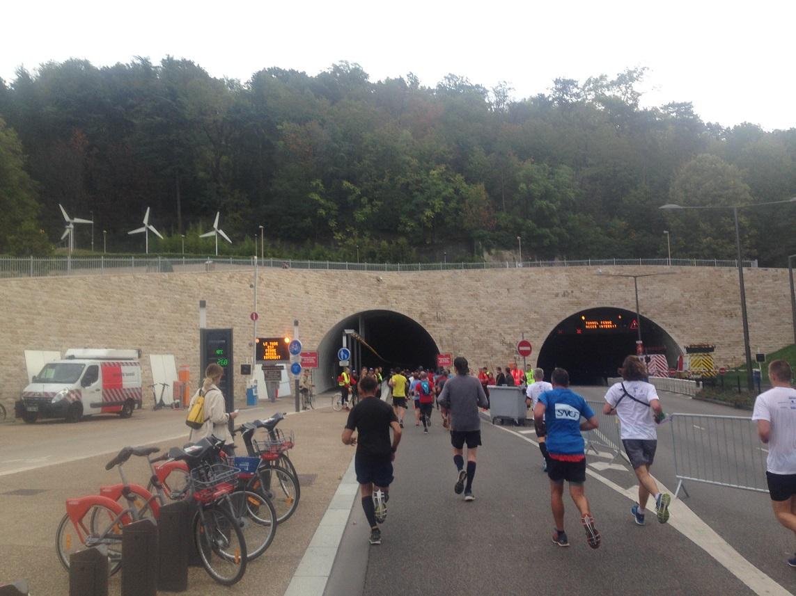 22-On va pas prendre le tunnel quand même..?