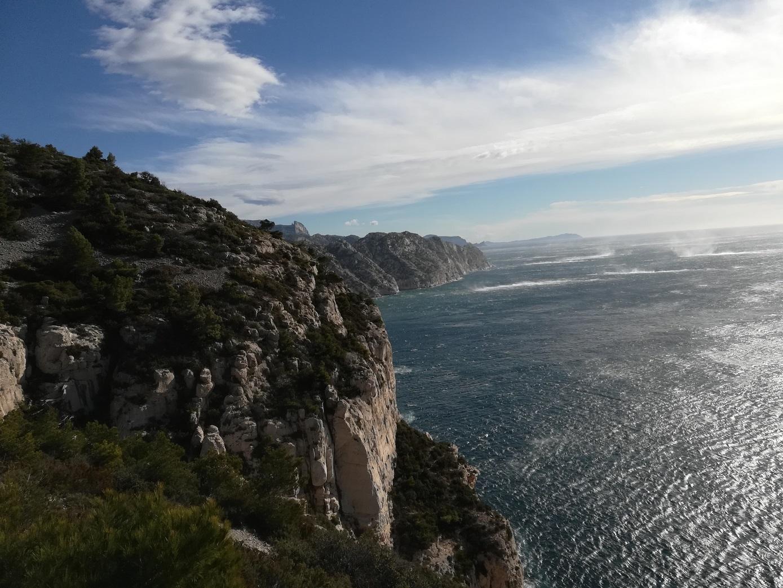 13-Les vues sont splendides sur la mer déchaînée
