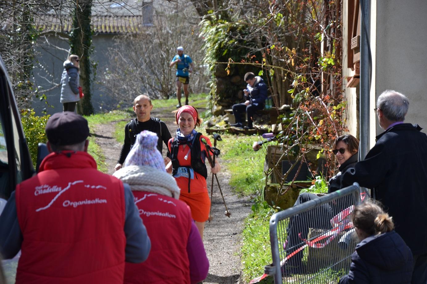 54-Au tour de Bérengère de passer le ravito du 44km