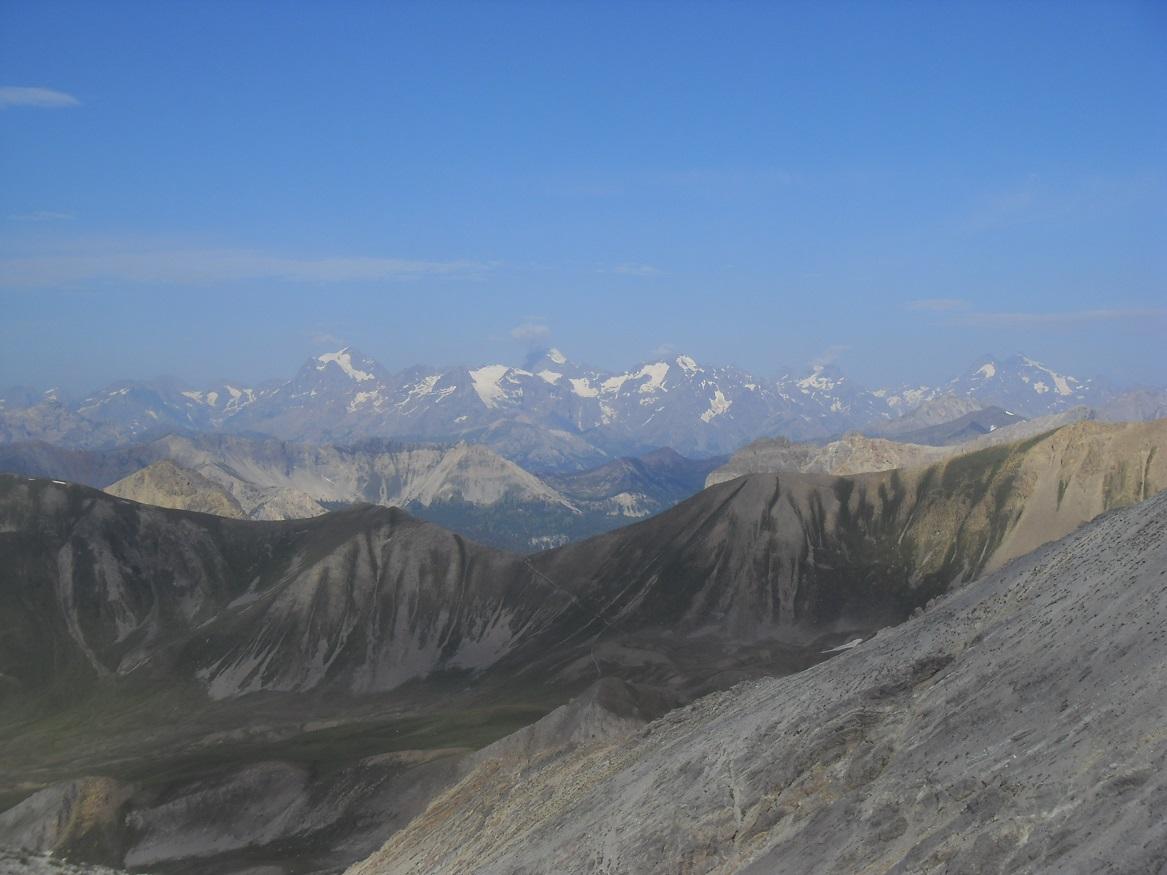 12-Que c'est beau ces sommets enneigés