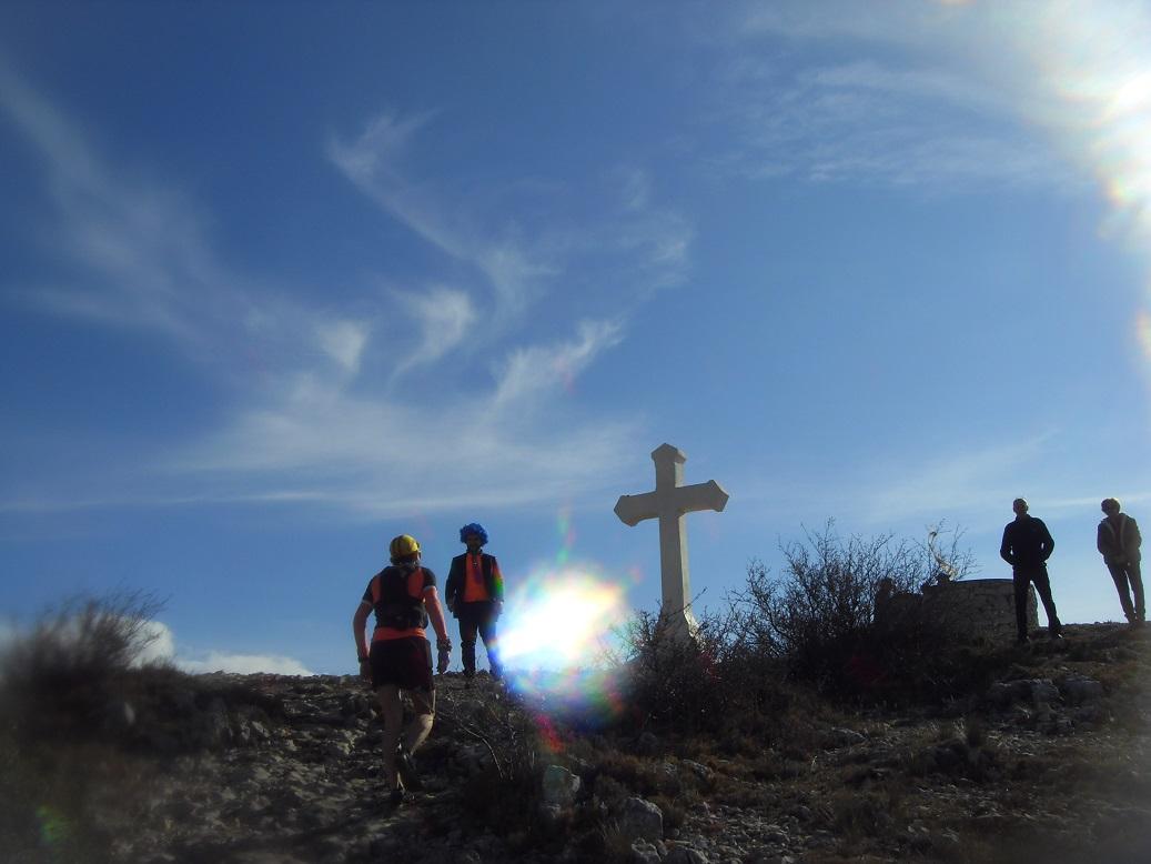 22-Aaah, bientôt le sommet du Garlaban (714m)