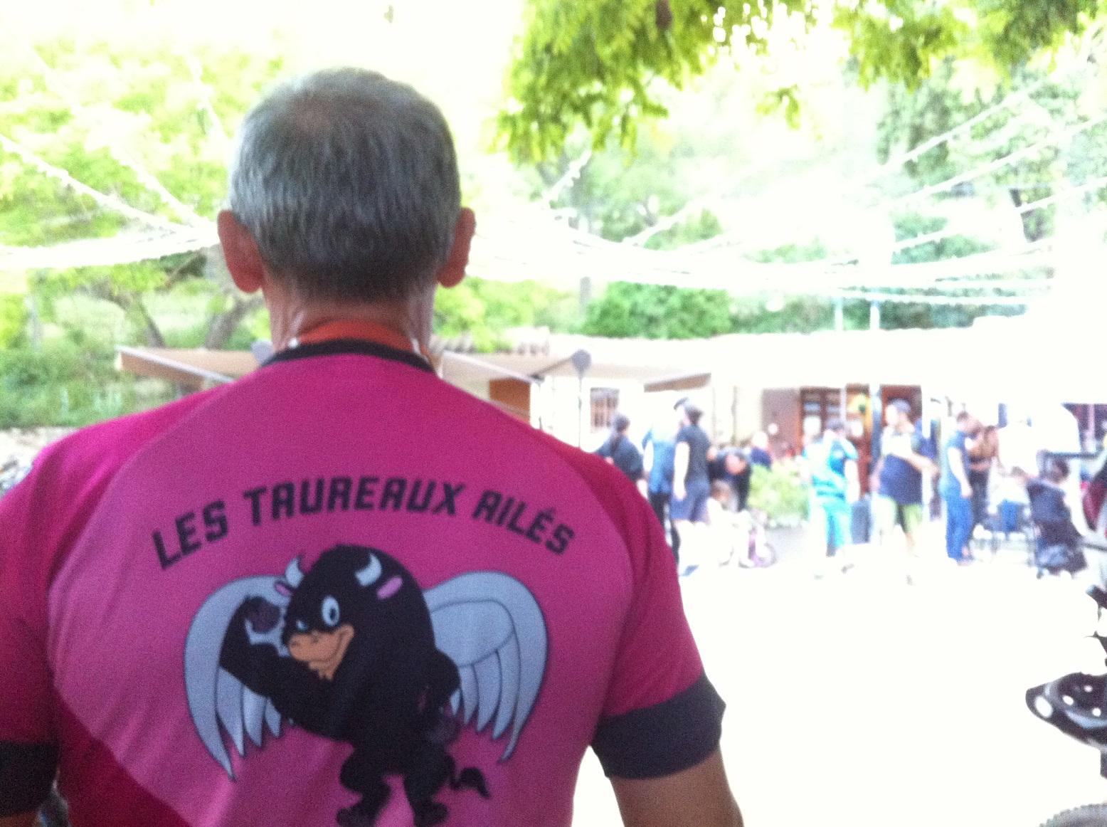 3-Attention les Taureaux entrent dans l'arène d'Aurons