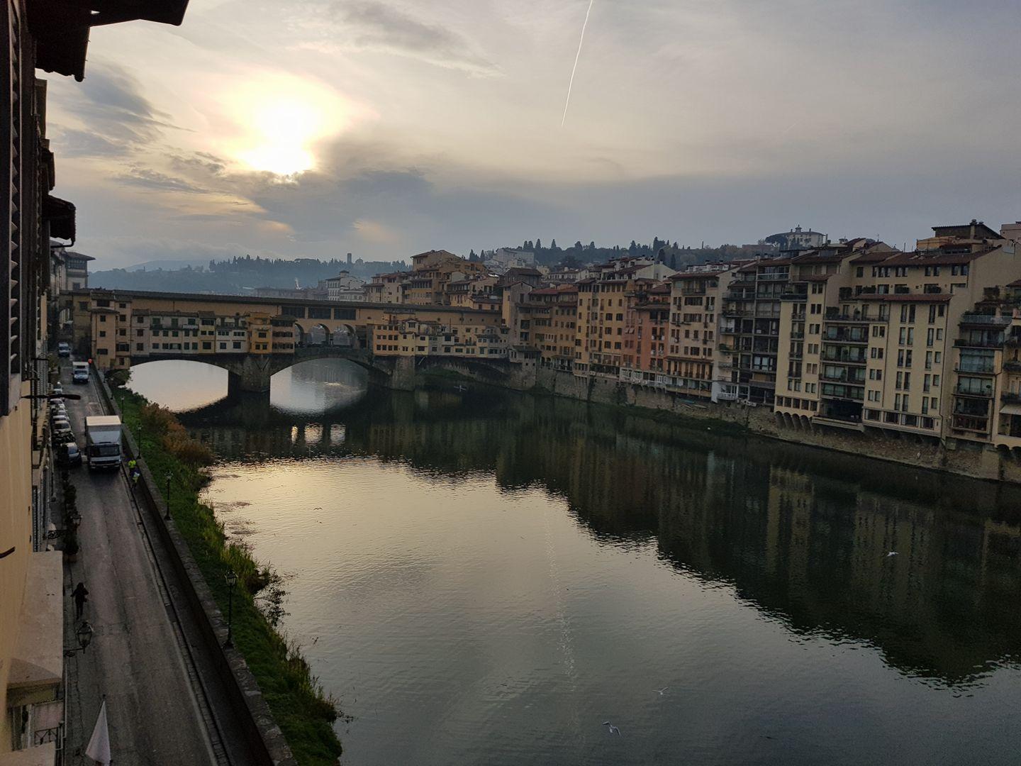 1- J-1, vue de l'appart' sur le Ponte Vecchio