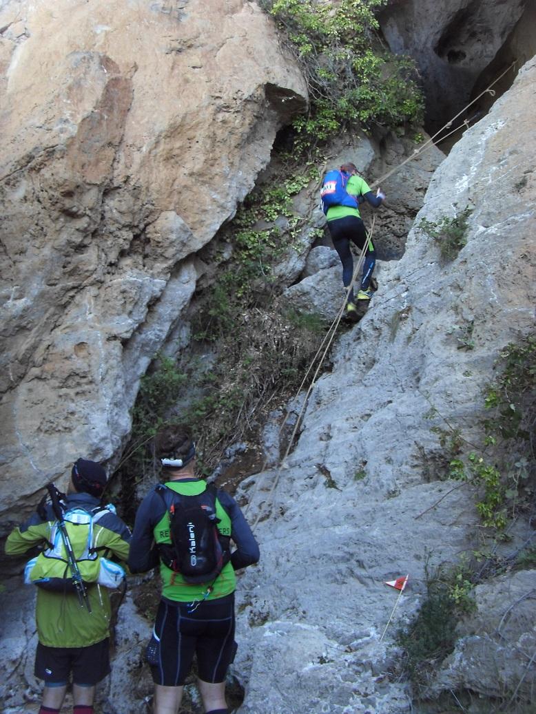 16-Des passages (par des grottes) inouïs même.. (23km - 8h44)
