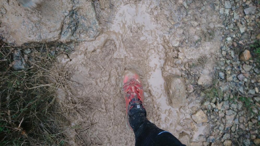 13-Le pied d'Erwan dans la gadoue..