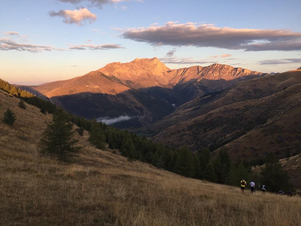 7-..ceux du 55km sont déjà en pleine montagne..