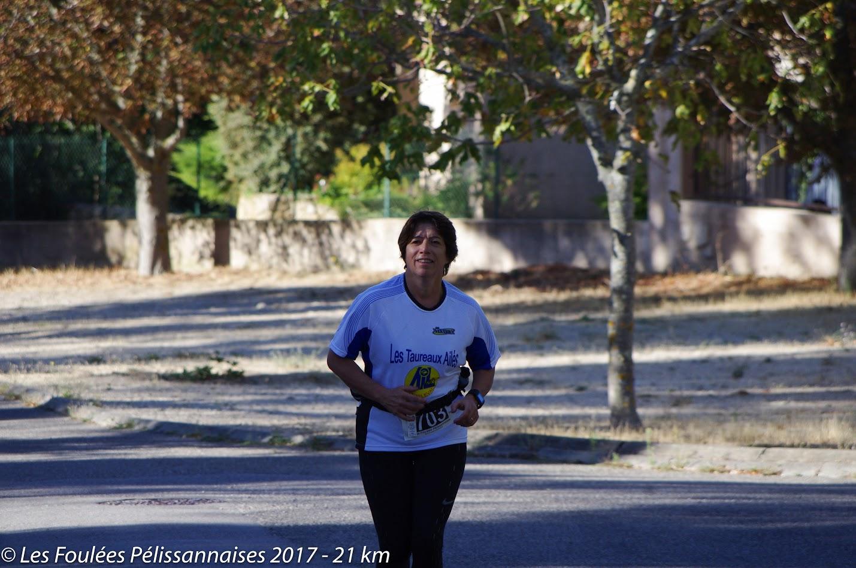 18-Alors qu'Annick passe le 7ème km, 1/3 de fait..