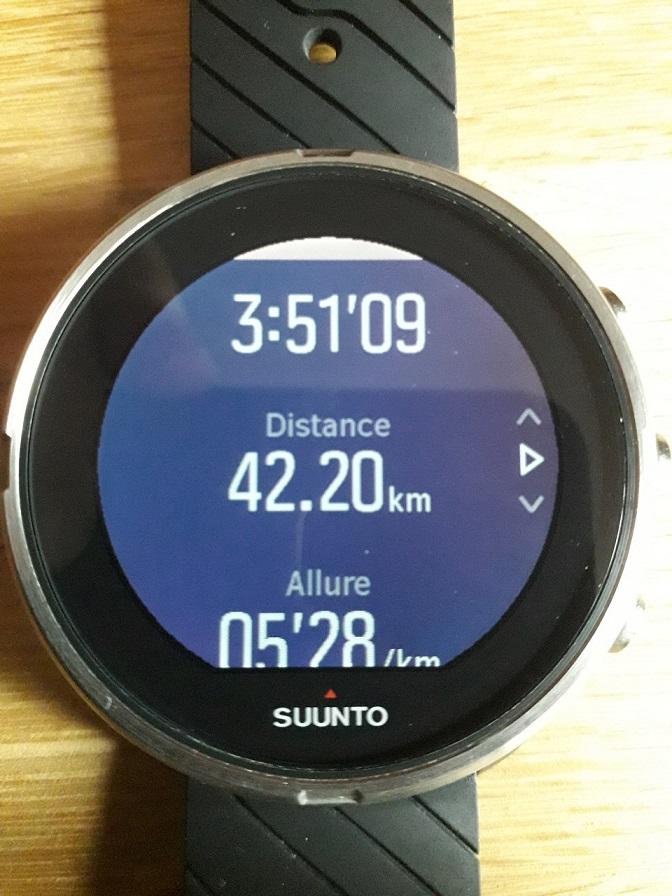 32-Elle indique 42,2kms.. en 3h51..! Superbe!