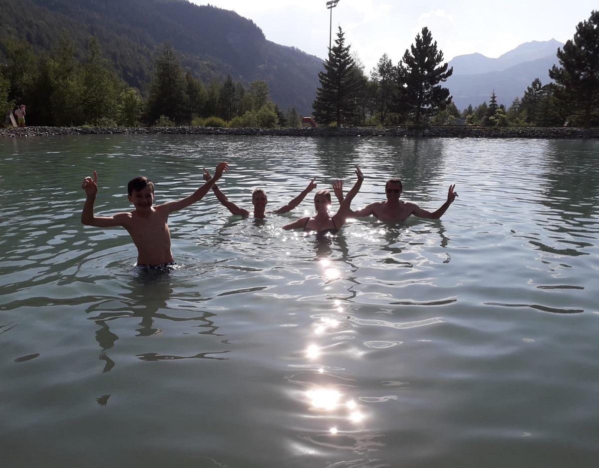 5-..et de se baigner pour se rafraîchir encore plus..