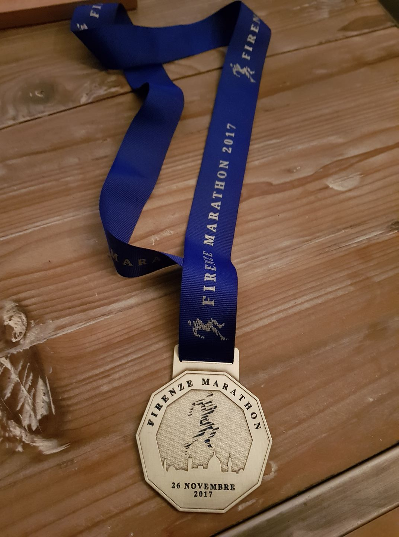 29-Et la traditionnelle médaille tellement méritée