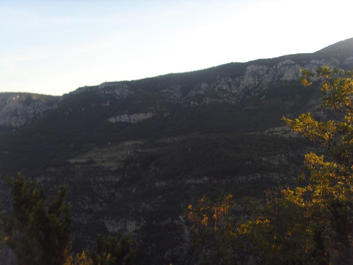 12-Le soleil commence à dévoiler de beaux paysages..