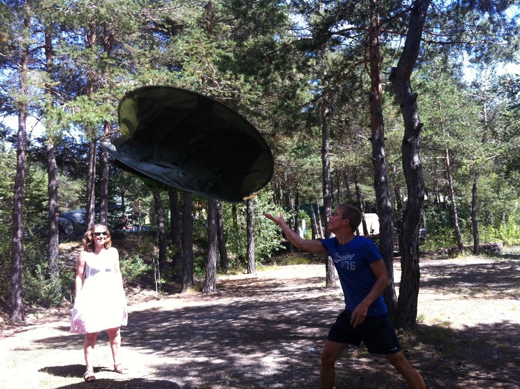 3-Vive la tente-frisbee 2secondes