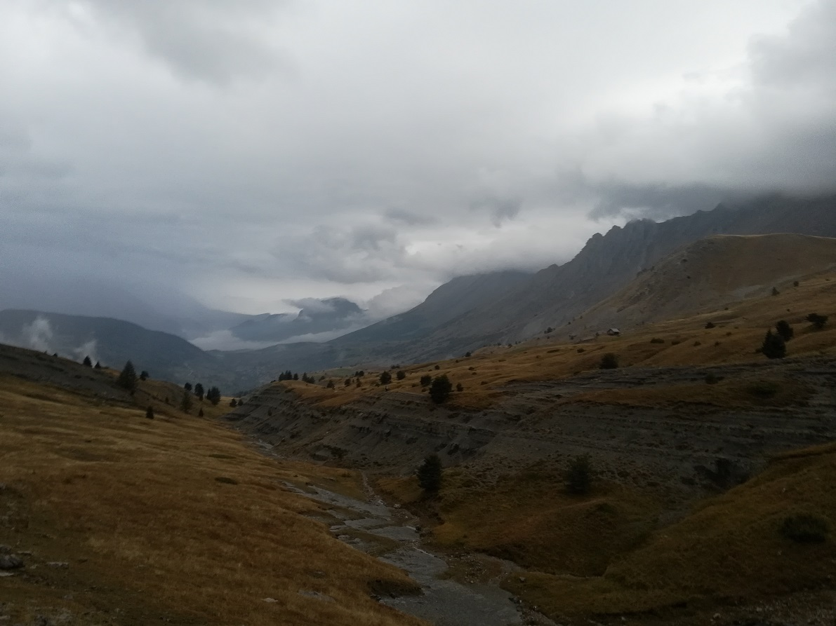 10-Les belles montagnes.. et le ciel menaçant..