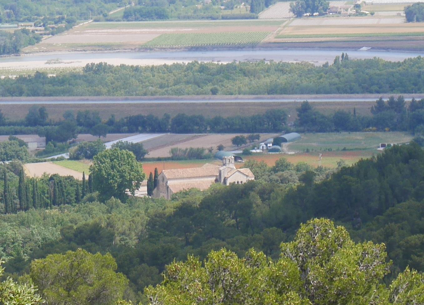 51-Magnifique vue sur l'abbaye de Silvacane