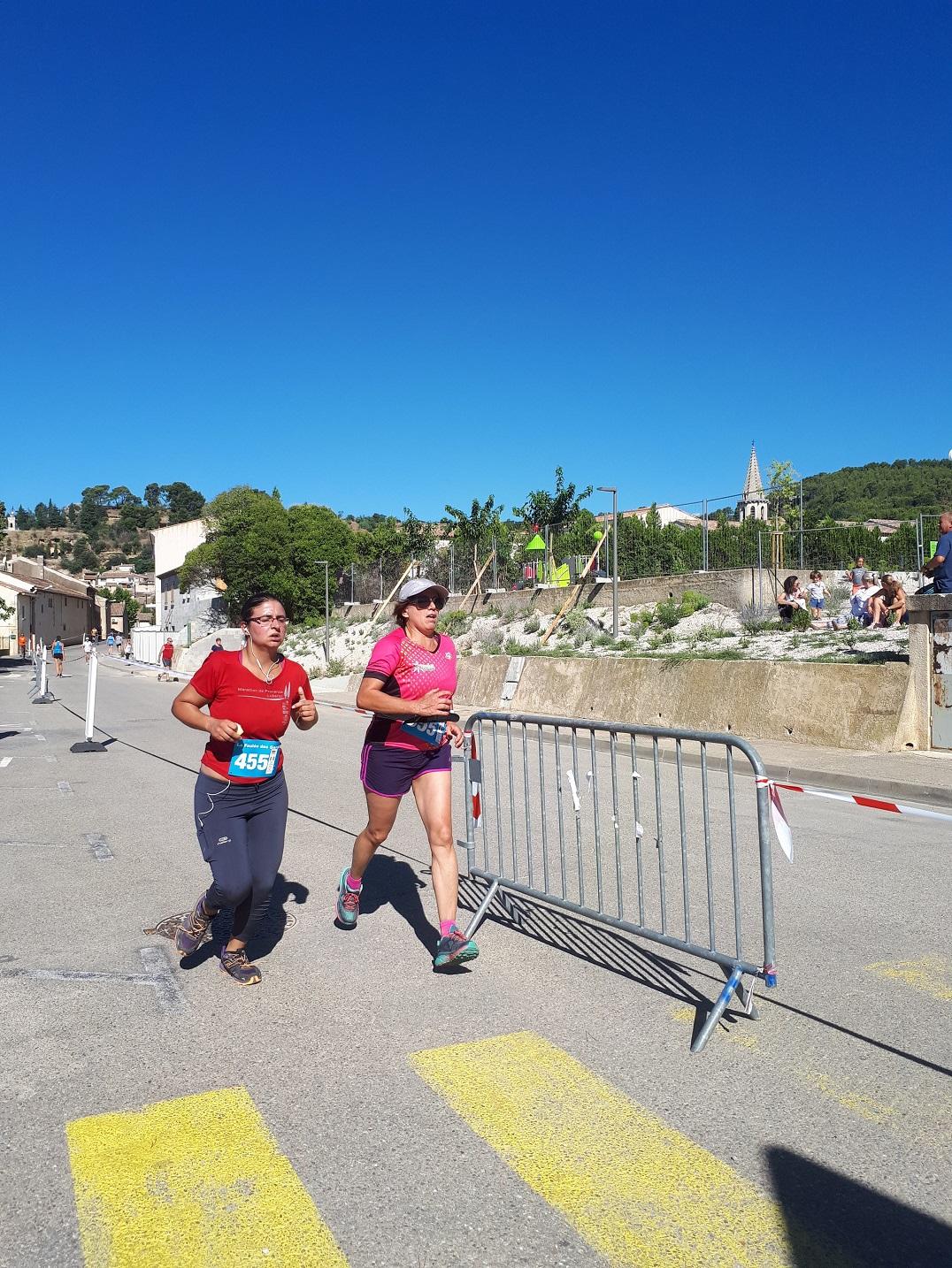 11-Et voici Annick qui boucle ses 9kms au sprint