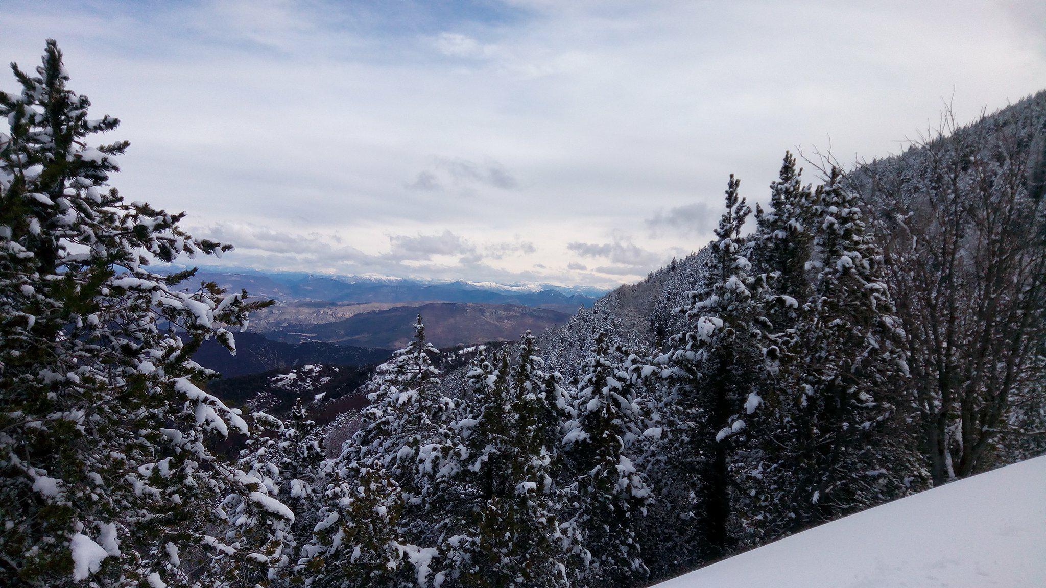 10-Et plus on monte, plus la vue, sur les Pré-Alpes, est belle..