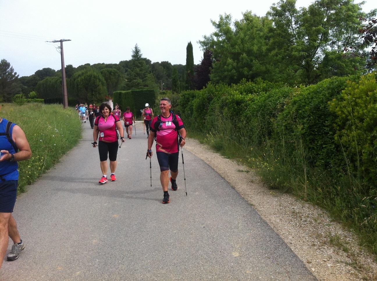 9-Juste après le départ de la marche est donnée aussi, Eric mène la manade