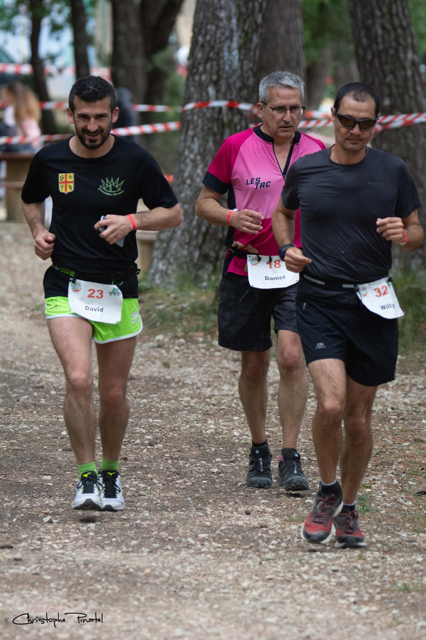 25-Daniel tente de suivre celui qui finira 1er (192kms!)