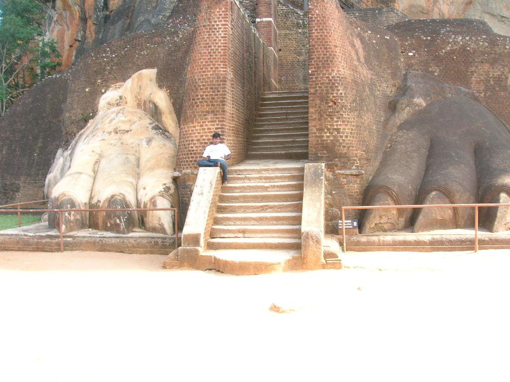 Zugang zum Felsentempel von Sigiriya