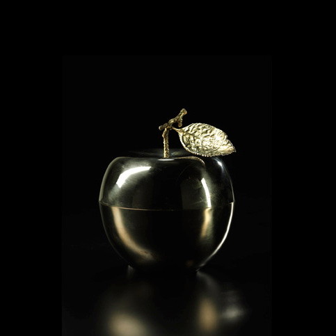 LePomme d'Or. Brass apple candle.