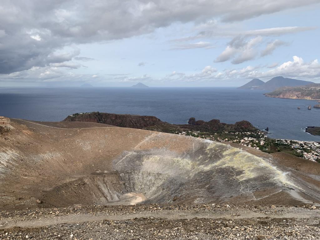 Italien, Sizilien, Liparische Inseln, Äolische, Vulcano, Sehenswürdigkeit, schwarzer Strand, Sandstrand, Vulkan, Schwefel, Gran Cratere, Solfatare