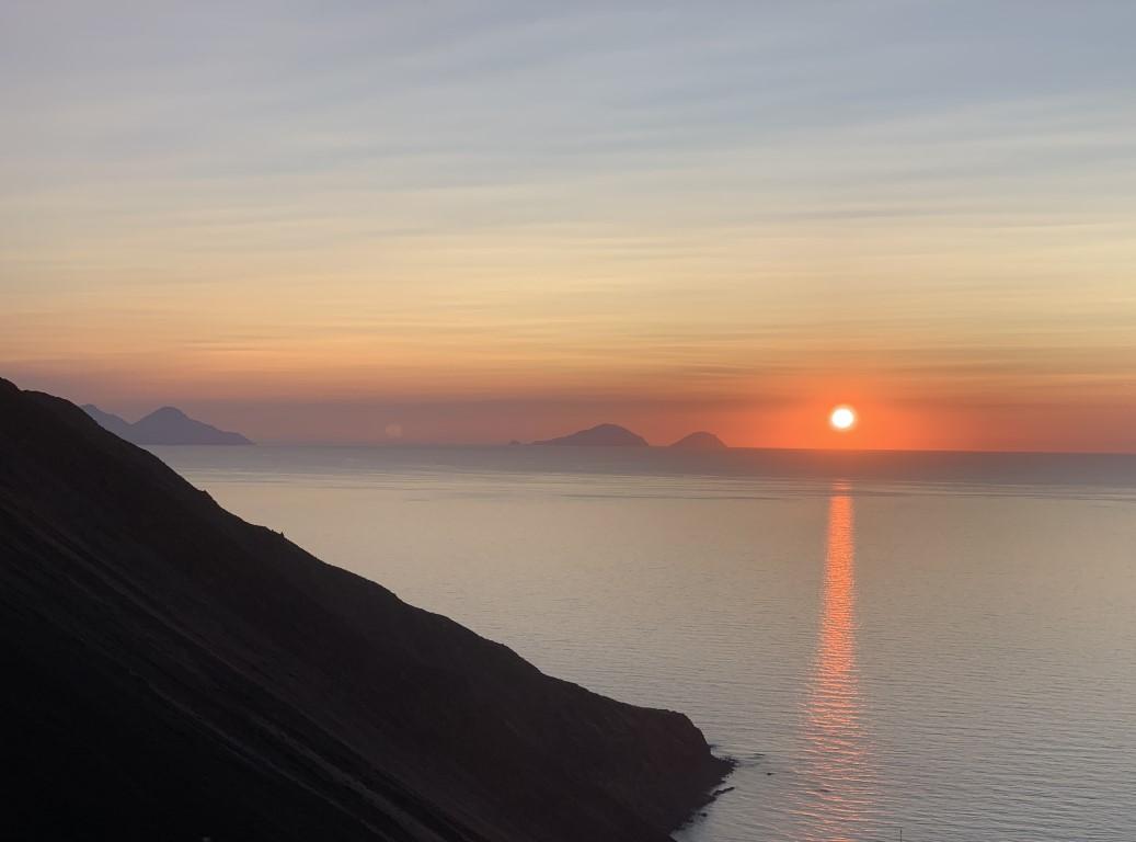 Italien, Sizilien, Liparische Inseln, Äolische, Stromboli, Sehenswürdigkeit, Vulkan, Schwefel, Krater, Sonnenuntergang
