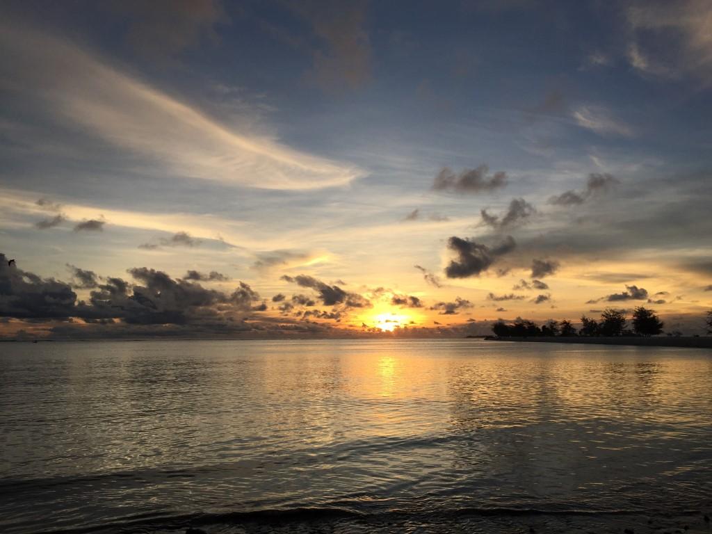 Tarawa, Kiribati, Bairiki, Betio