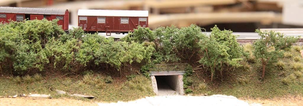 14.08.2012      Bahndammdurchlaß aus verschiedenen Perspektiven.   Bahndammdurchlaß aus verschiedenen Perspektiven.