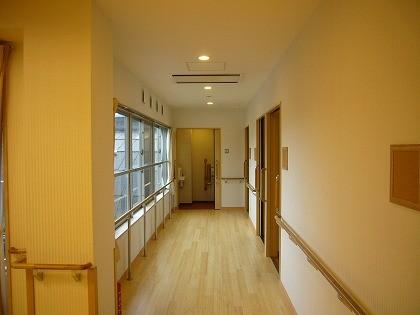 介護、廊下