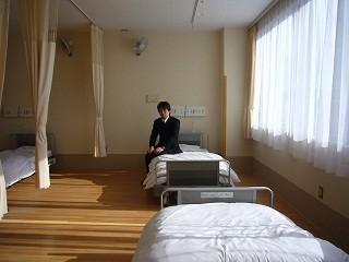 病院、病室