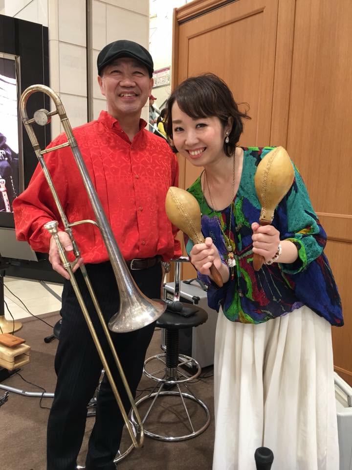 4fd1d5315260f ミュージックの日@心斎橋大丸 - moliendcafe 音楽エンターテインメントバンド