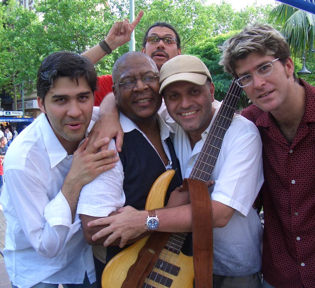 """Mandingo, el Diablo, el Indio, Robercu Castillo y yo """" Ensamble Capüi ¨(Frankfürth 2002)  - Raimundo Nieves"""