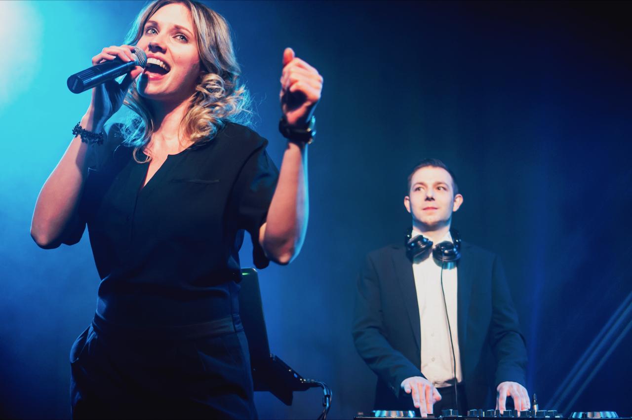 Sangerin Dortmund Lina Ammor Live In Hagen Im Duo Mit Saxofon